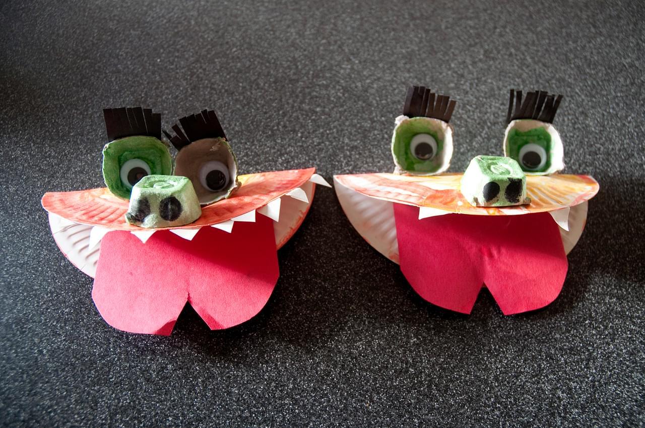 paper plate dragon or dinosaur
